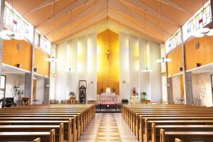 名瀬聖心教会結婚式まちいろ