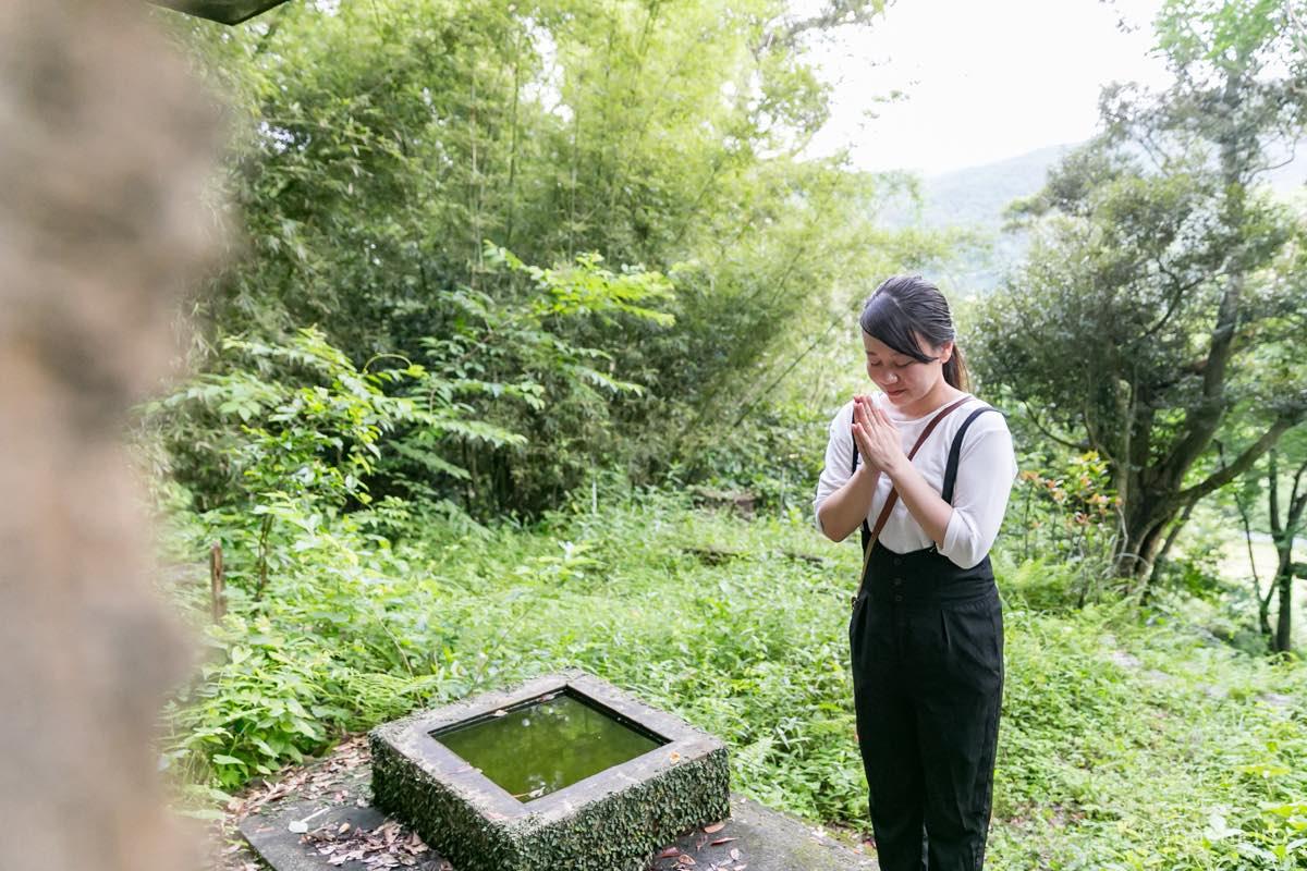 奄美 菅原神社 参拝 拝礼の写真