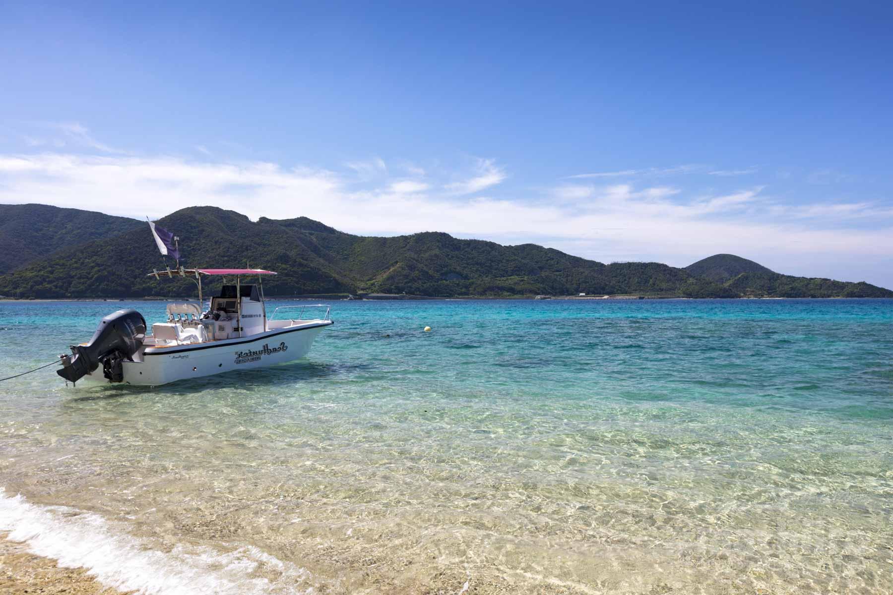 奄美大島 龍郷町芦徳の先端にある浜