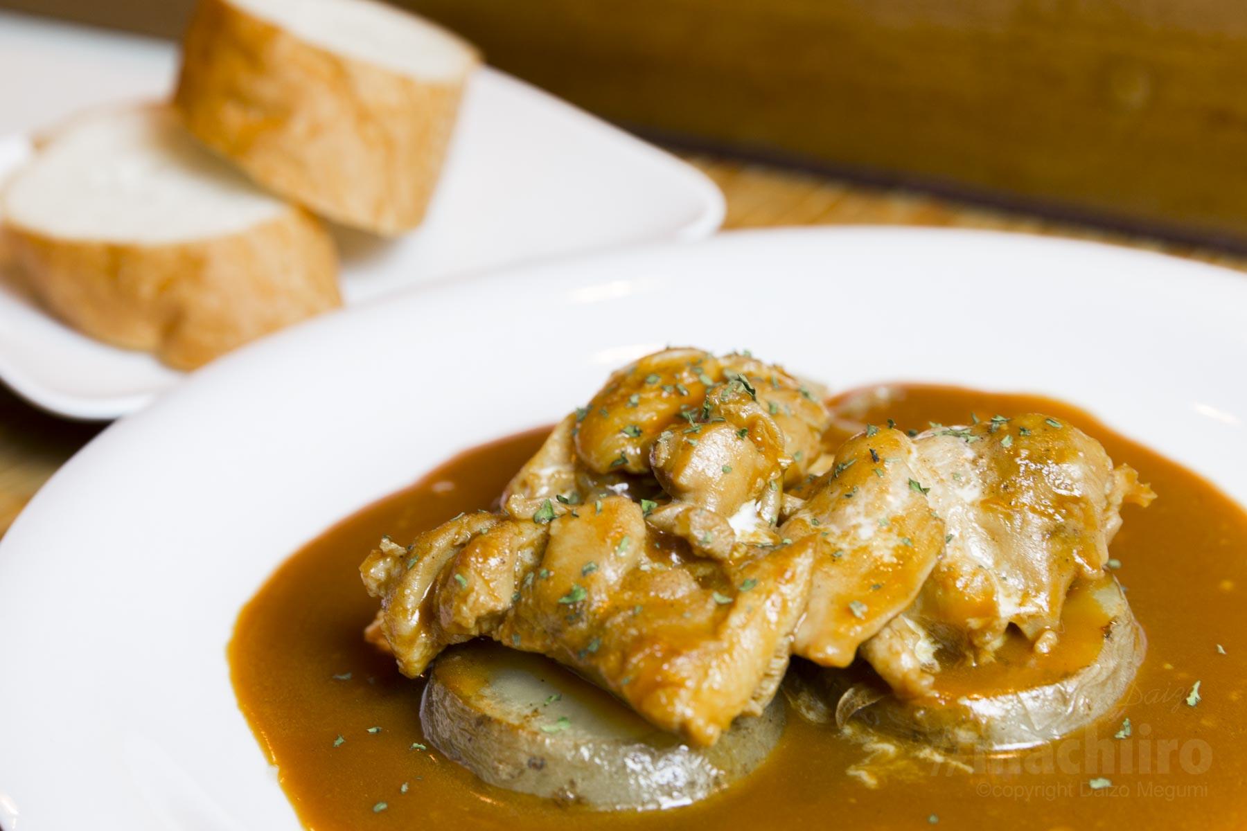 チキンのガーリックソース煮