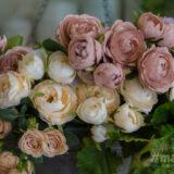 生花とアーティシャルフラワーをブレンドし、独自の世界観で魅せるフラワーショップ。