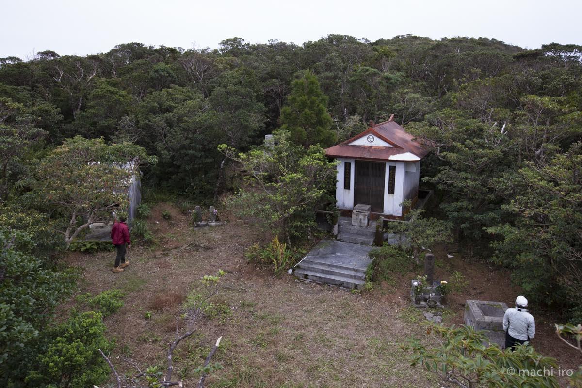 奄美探訪 湯湾岳頂上写真