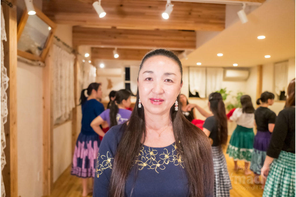 フラ・カオ・スタジオ 泉 香子先生写真