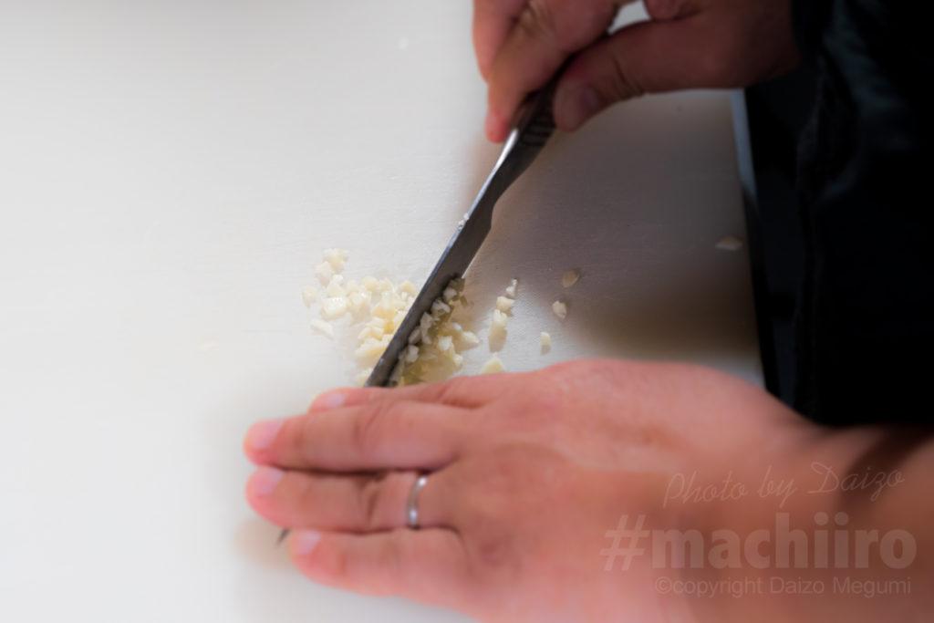 「ウンギャルマツと貝柱のアヒージョ」 MISHOLAN BAR susuMUCHO流 簡単レシピ写真