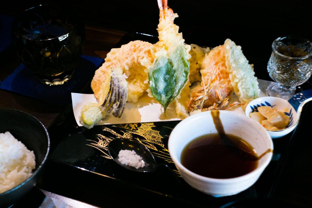 有楽 縁 天ぷら定食 写真